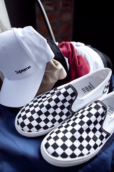 acc935. chess slip on (SOLD OUT)